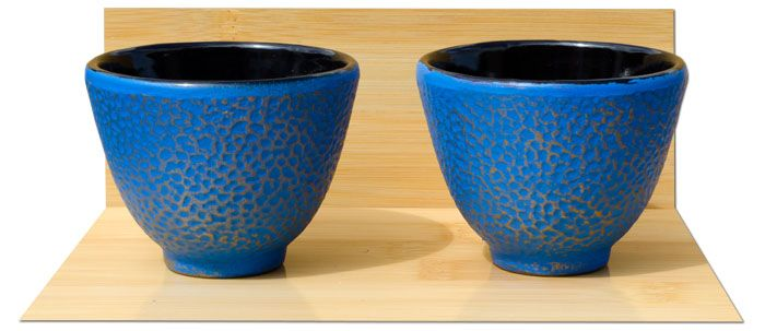 Cast iron tea cup X2 Hammered surface pattern design – Azure on gold colour