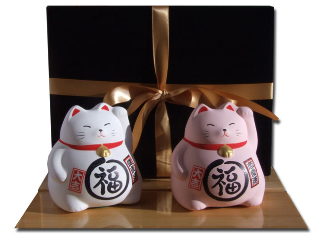 Gift Set - Japanese Maneki Neko Lucky Cats X2 Pink and White medium size