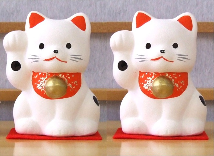 Maneki Neko Lucky Feng Shui pair small white cats A2